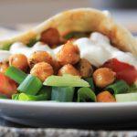 wrap med kikärtor och grönsaker